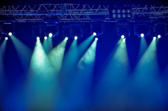 Uitverkocht huis bij gratis optreden in zorginstelling