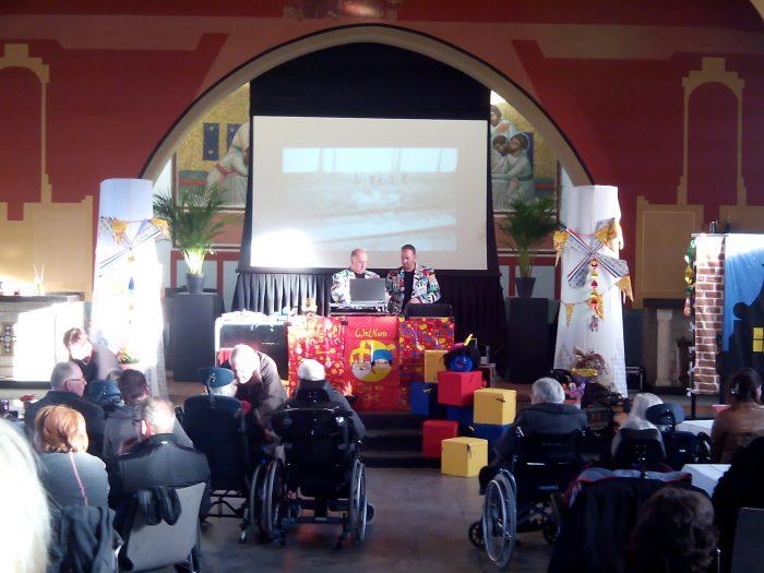 Sinterklaasfeest voor dementerende ouderen met de Krasse Knarren Show
