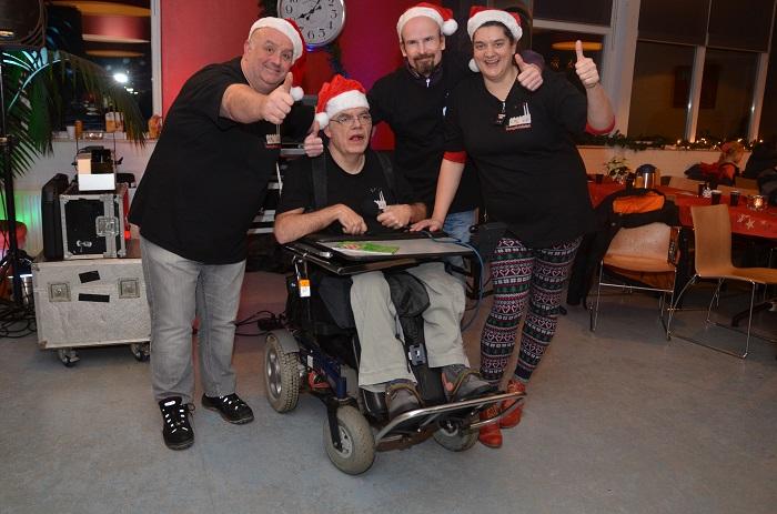 Kerstshow met de Up & Down Discoshow was een groot succes tijdens de kersttocht in Rhenen