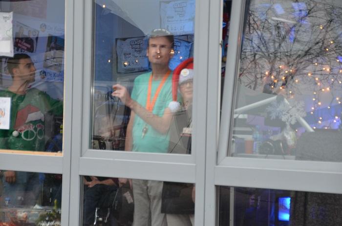 Dj's van de Up & Down Discoshow waren te gast in het Glazen Huis